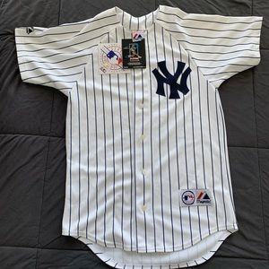 Johnny Damon, New York Yankees signed jersey.